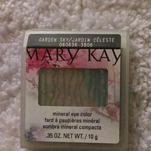"Mary Kay Mineral Eye Color ""Garden Sky"""